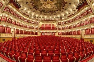Státní opera – svou nezávislost ztratila, kvalitou však předčí mnohé scény v celé Evropě