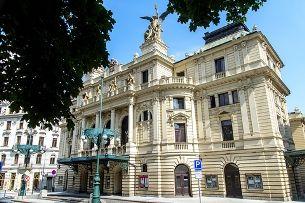 Divadlo na Vinohradech: přes 100 let v centru pražského kulturního dění
