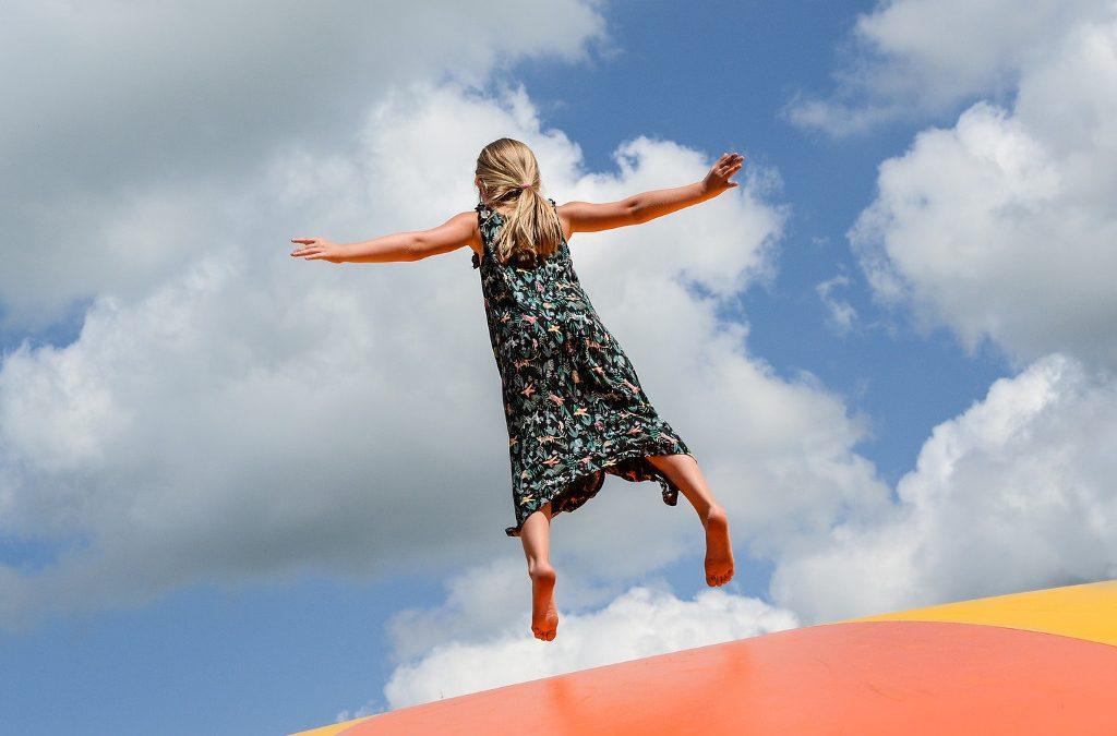 Trampolínová centra v Praze – proskákejte se do bezstarostného dětství!